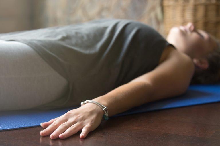 Ciclo 5 clases Feldenkrais online. Cuida tu cuerpo y tu mente. Embodiment y desarrollo corporal para la autorregulación emocional